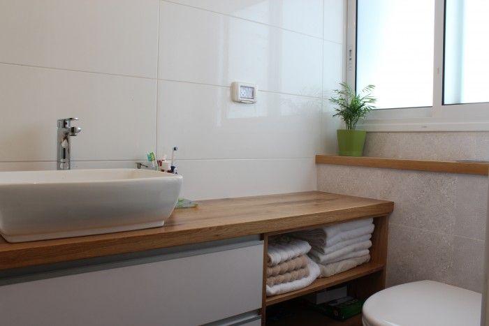ארון כיור באמבטיה עם מדפים פתחוחים