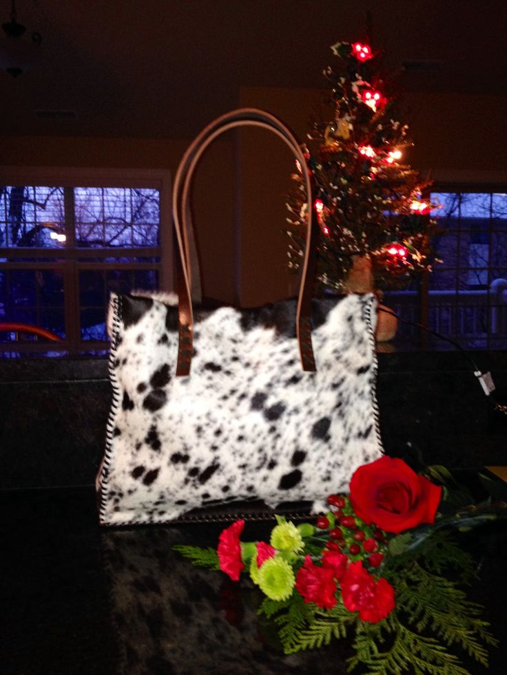 The Cowhide Market Tote from gowestdesigns.us. Custom bags and purses made to order.