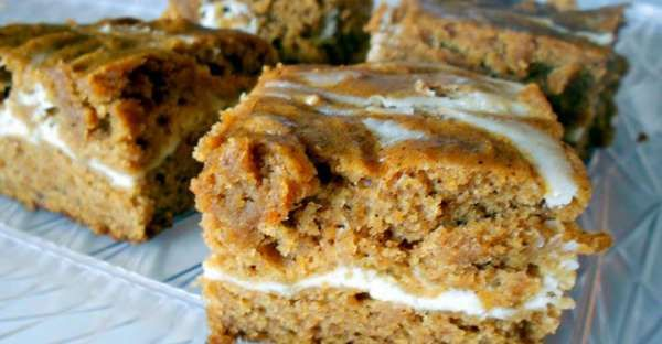 Cream Cheese and Pumpkin Roll Bars Recipe