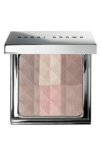 Have to admit, we love anything from Bobbi Brown that gives our skin a glow. This new Brightening Finishing Powder is gorgeous on the skin.
