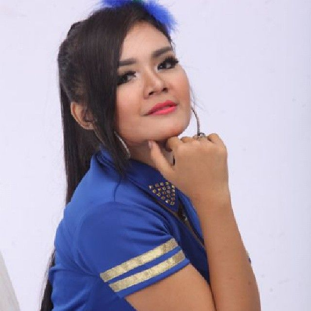 follow Dian Marshanda on Instagram @dian_marshanda