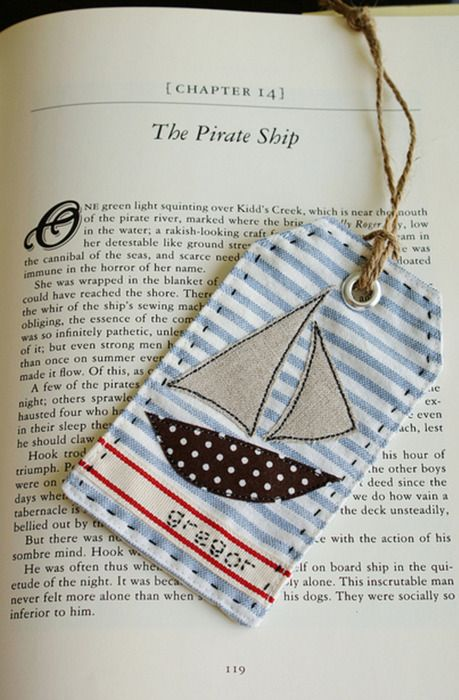 holly-dolly-doo-darr:  bookmark  love this tage really simple to make to :] tutorial here