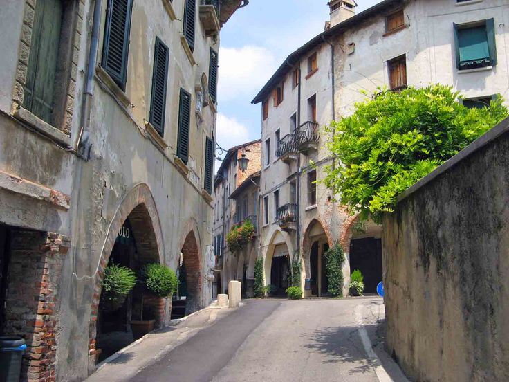 asolo, italy | Asolo has beautiful old buildings and very narrow streets The Piazza ...