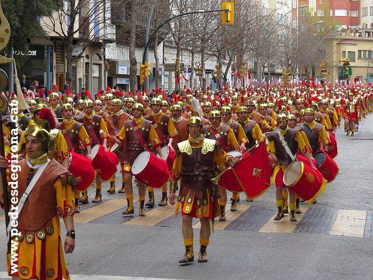 VEXILLATIO GERUNDENSIS .Desfilada de 781 manaies a Girona en el seu 75 aniversari .29/3/15
