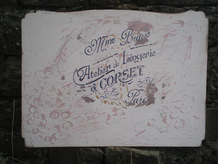 Elegant  altes Werbeschild Lingerie