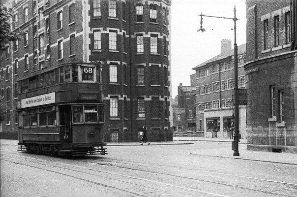 Tram at dockhead, Tooley Street, East of Tower Bridge - Pictures of Bermondsey & Rotherhithe