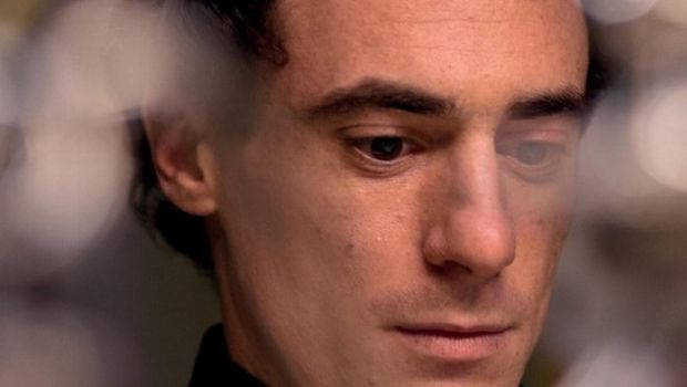 Il giovane favoloso: trailer e poster del film di Mario Martone con Elio Germano