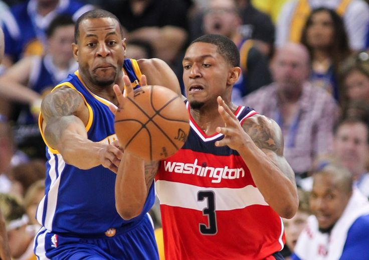 The Wizards and Warriors got into a skirmish at the end of their game Sunday night. (Sergio Estrada/USA Today)  OAKLAND, CALIF. — In the final seconds of their 139-115 loss to the Golden State Warriors on Sunday night, the Washington Wizards felt disrespected. Brandon Jennings took offense...  http://usa.swengen.com/wizards-call-out-warriors-for-being-disrespectful-at-the-end-of-blowout/