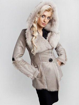 Длинные и укороченные женские зимние дубленки: фото легких моделей с капюшоном
