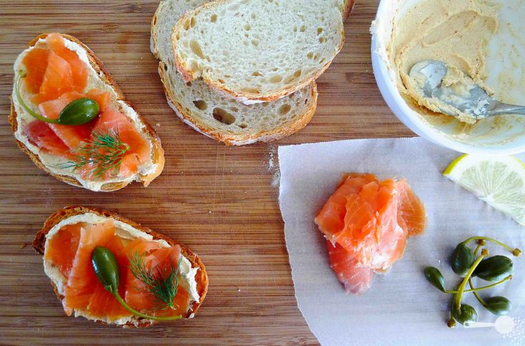 5 ingredients: smoked salmon, goat cheese and caperberry crostini - http://wholesome-cook.com/2011/01/05/smoked-salmon-and-goat-cheese-crostini/