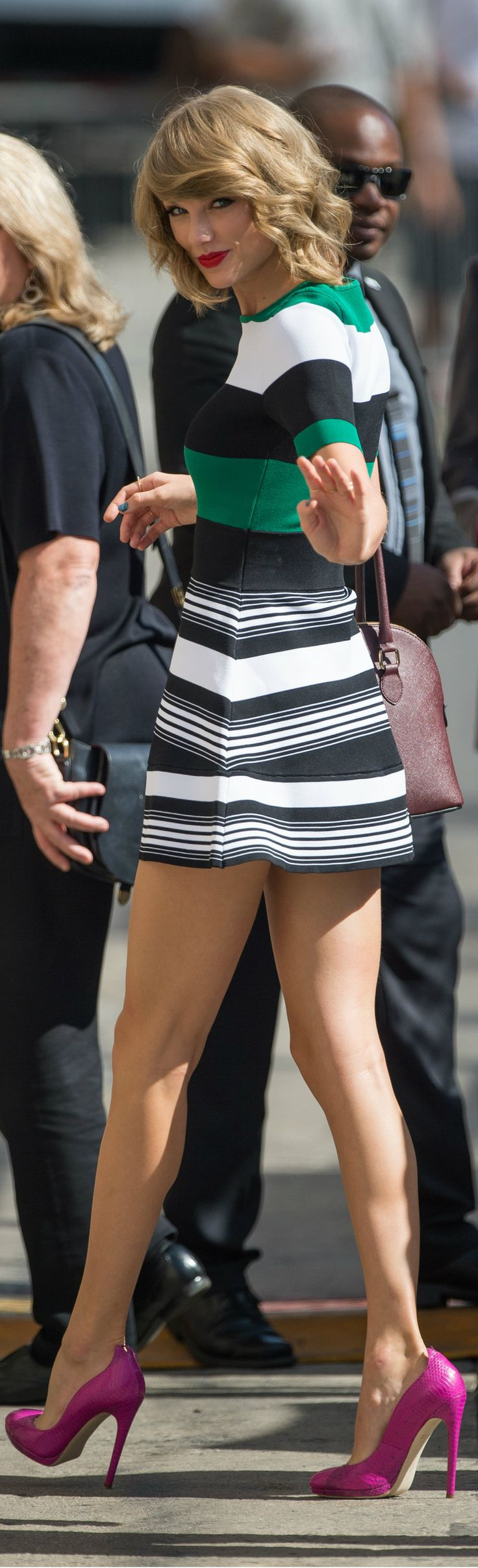Taylor Swift style: striped shirt and skirt