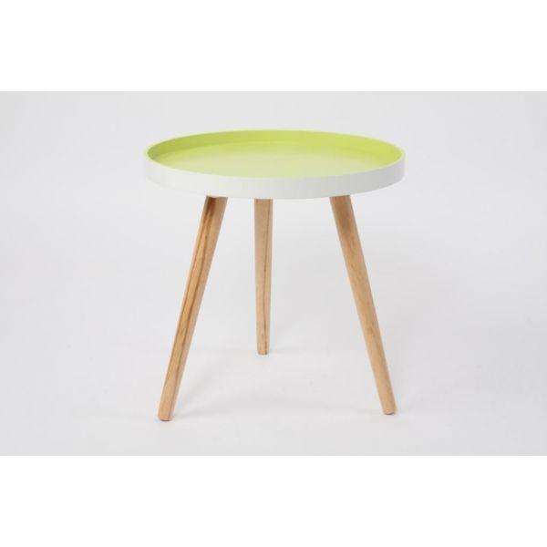 Mesa auxiliar con tablero en color verde y patas de madera natural, de estilo nórdico. Medidas: 41 x 40 cm Material: Madera