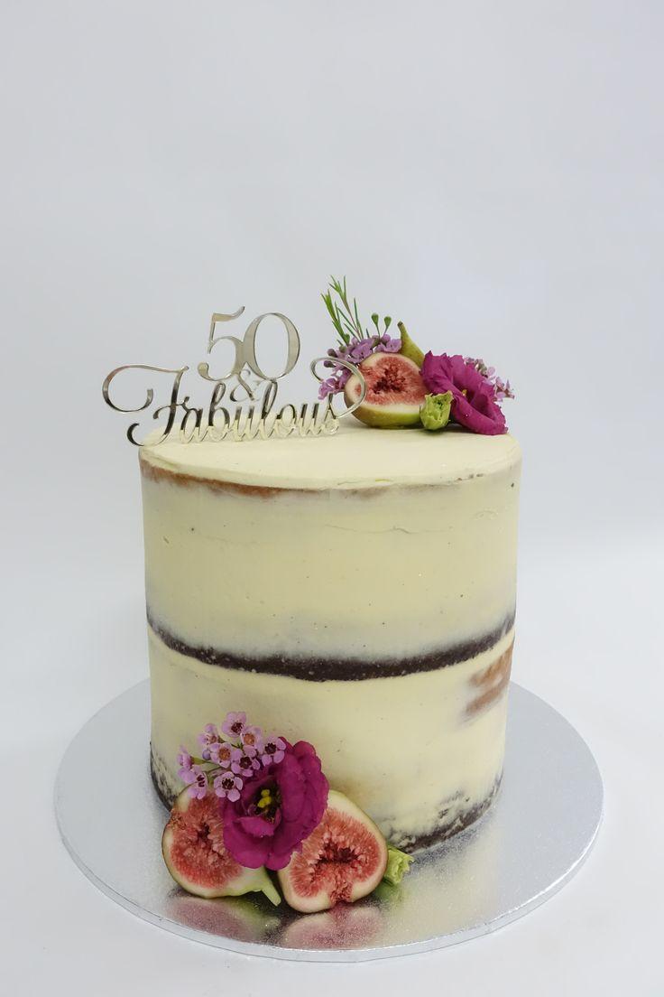 #floralcake #birthdaycake #cake #vanillapod #vanillapodspecilatycakes #brisbanecakes #weddingcake #brisbaneweddingcakes #brisbanecafe #noveltycakesbrisbane