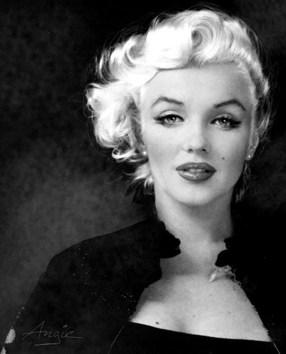 Beautiful Marilyn Monroe....loved that style