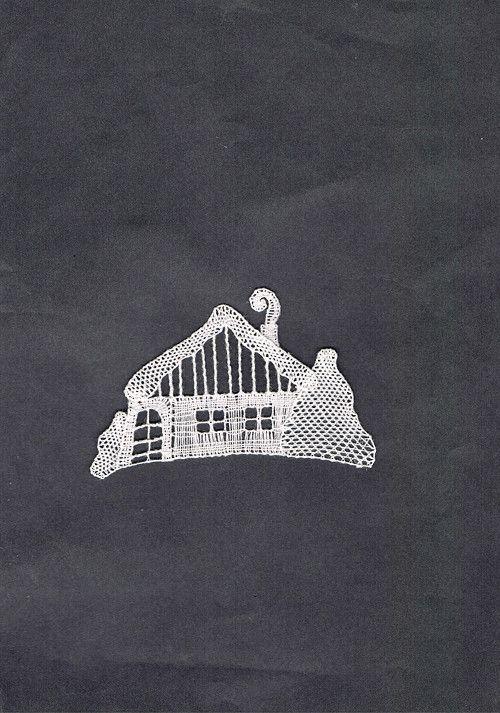 Zasněžená+chaloupka, - paličkovaná krajka, bobbin lace, autor: Lenka Maslova Spetlova, Hostinné, Atelier ROS ZEFYRA s.r.o.