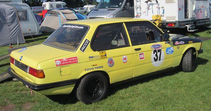 BMW 323i  (X)  (83)