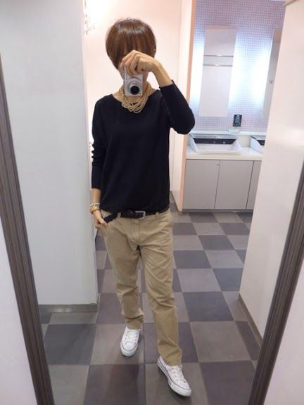 今日のお洋服はオールユニクロですよ!! Coat/UNIQLO Knit/UNIQLO Bottoms/UNIQLO Bag/GAYA Shoes/CONVERSE Today,I'm dressed in all UNIQLO. ニットは今季のカシミアです。