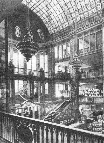 Kaufhaus Tietz, Berlin, Leipziger Straße, Lichthaof, 1911.