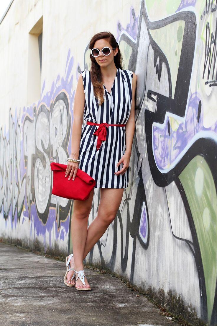tendenze estate 2013 | righe | occhiali da sole tondi | borsa celine | vangle | borsa rossa | sandali corda | outfit | look | fashion blogger | it girl 3