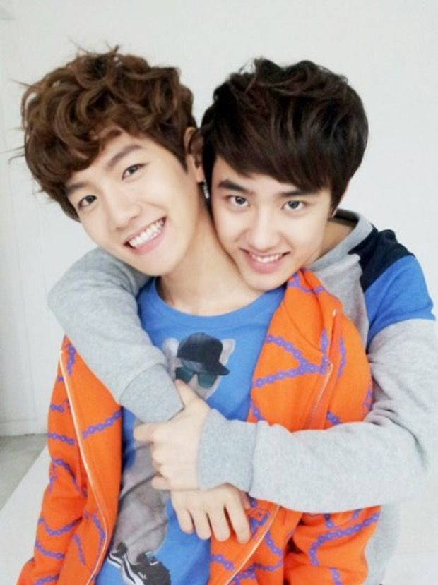 okay wow. this photo is really special and rare because kyungsoo doesn't look like he wants to kill baekhyun XDD
