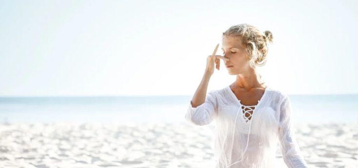Meditación: conoce 4 poderosas técnicas de respiración - WeMystic Canada Pranayama, 7 Chakras, Yoga, Cover Up, White Dress, Lace, Dresses, Women, Reiki