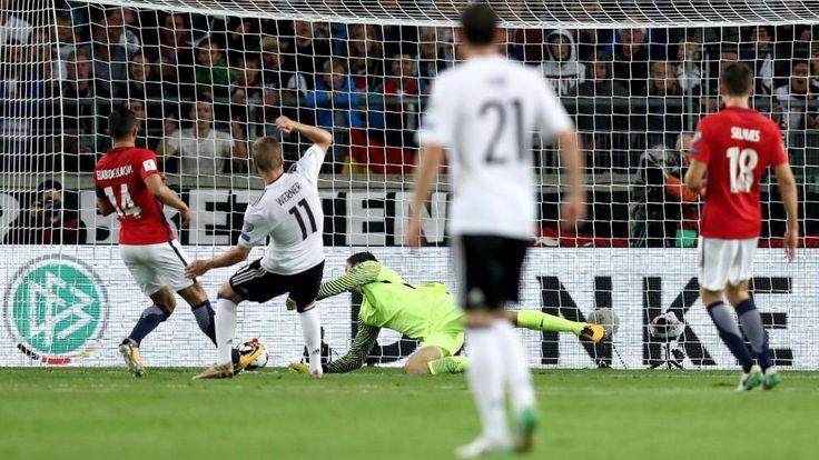 WM-Quali: Deutschland-Norwegen 6:0 - Der erste Streich von Timo Werner: Der Leipziger schiebt die Kugel zum 3:0 ins Netz