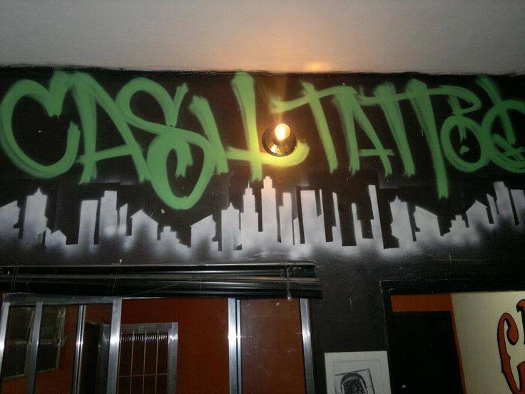 tag e stencil no estudio Cash Tatoo