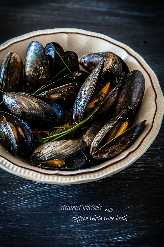 Steamed Mussels with Saffron White Wine Broth