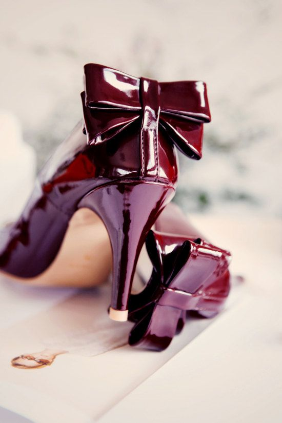 Burgundy+shoes+with+heels+and+bow+tie+by+TheLittleFrenchGirl,+€130.00