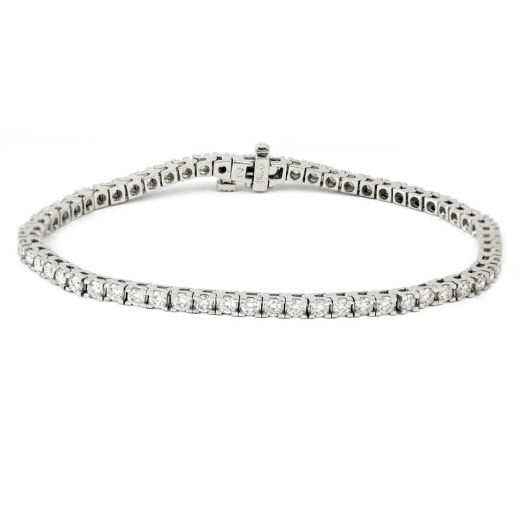 How about a 0.62 total diamond weight tennis bracelet to start the day. With SI-2 Clarity, GH colour, and very good cut, these diamonds are guaranteed to impress! #londongold #finejewellery #tennisbracelet #diamonds