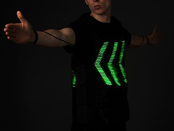 Tex-vest Human Traffic Light Concept by Jaka Plesec