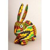 Lapin ou lièvre de la faune colorée d'Afrique, créé au Togo par une association de femmes handicapées, disponible en plusieurs couleurs...