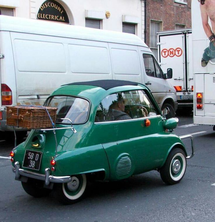 Bmw Isetta, Small Cars, Bmw Cars, Sports Cars, Cars Motorcycles, Dream Cars,  Classic Cars, Bubble, Microcar
