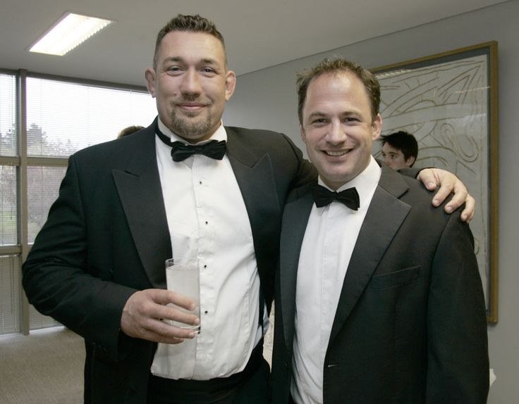 David Humphreys enters the IRUPA Hall of Fame in 2008, pictured here with our Ulster rep, Justin Fitzpatrick.