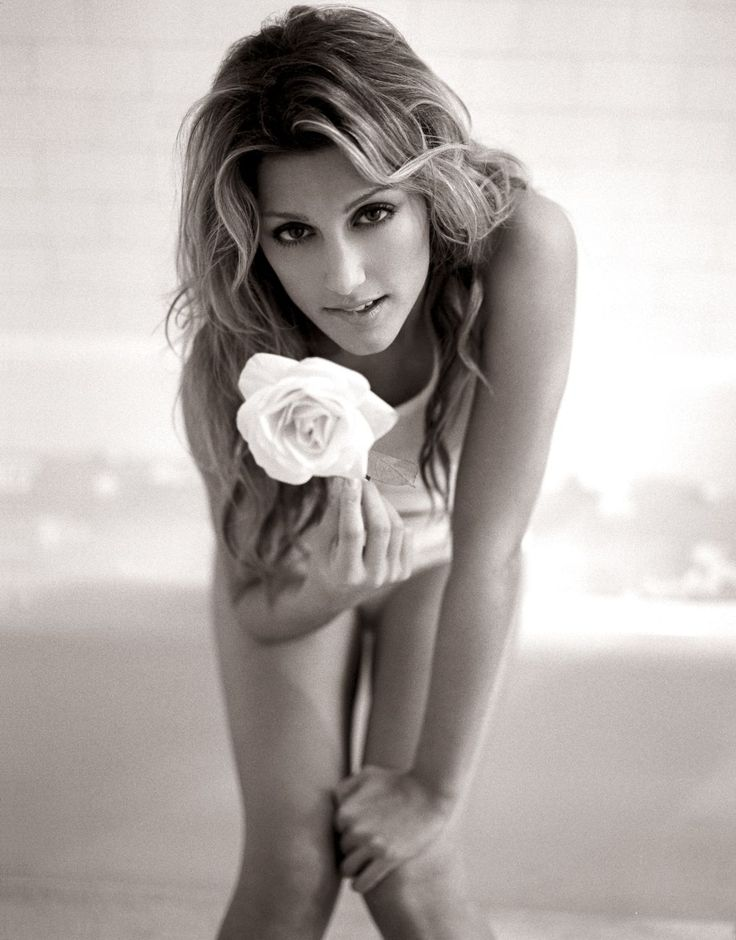 #actress Jennifer Esposito  Birthday	April 11, 1973  Birth Sign	#Aries