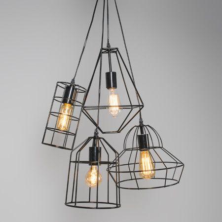 Lámpara colgante FRAME D negra - Lámpara muy moderna con una cubierta hecha de fino metal negro. Es de diseño minimalista y permite ver la bombilla que se coloca dentro.