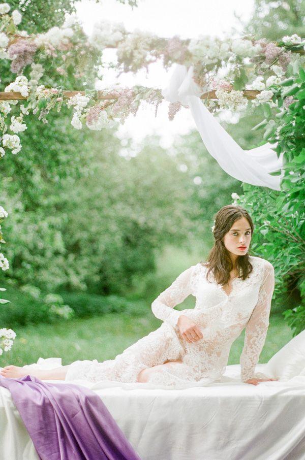 Lush Spring Garden Bridals | Warmphoto | Sleeping Beauty - An Enchanted Bridal Morning