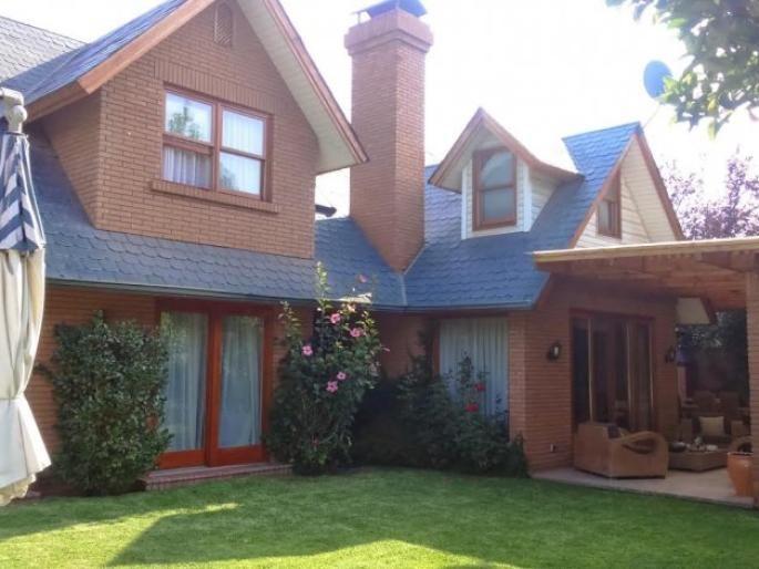 Estupenda casa estilo inglés en Los Trapenses Informe de Engel & Völkers | T-1419842 - ( Chile, Región Metropolitana de Santiago, Lo Barnechea, Los Trapenses )