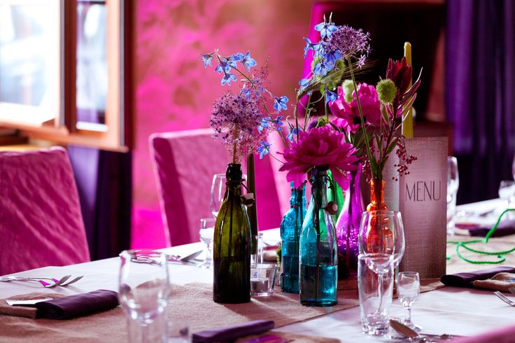 Bottles & flower power wedding centerpiece by artsize.pl