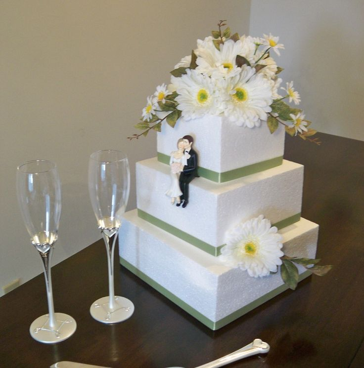 daisy wedding cake - Google Search
