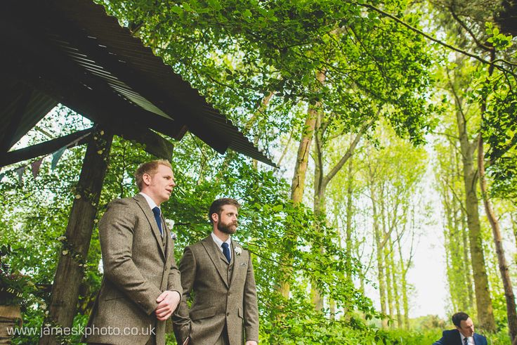 Groom & Best Man. Hush Venues Norfolk Outdoor Wedding Venue. Wedding in the woods. Norfolk Wedding Photographer. www.jameskphoto.co.uk