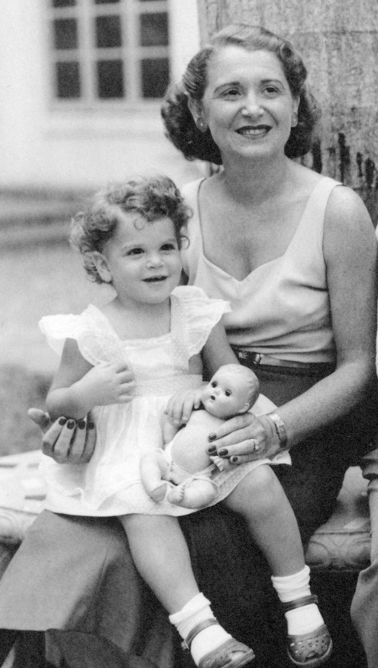 Gilda Radner and her mother, Henrietta.