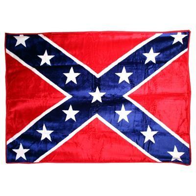 Tæppe med Rebel flag.  Confederate flag tæppe i blød lækker kvalitet, der er ens på både for og bagside. Rebel tæppet er rigtig velegnet som sengetæppe eller som plaid til sofaen.  Det Amerikanske Sydstatsflag står virkelig flot på tæppet og vil pryde Amerikanerbilen på bagsædet. Tæppet er fremstillet i en fyldig polyacryl, der giver den et vamset udtryk.