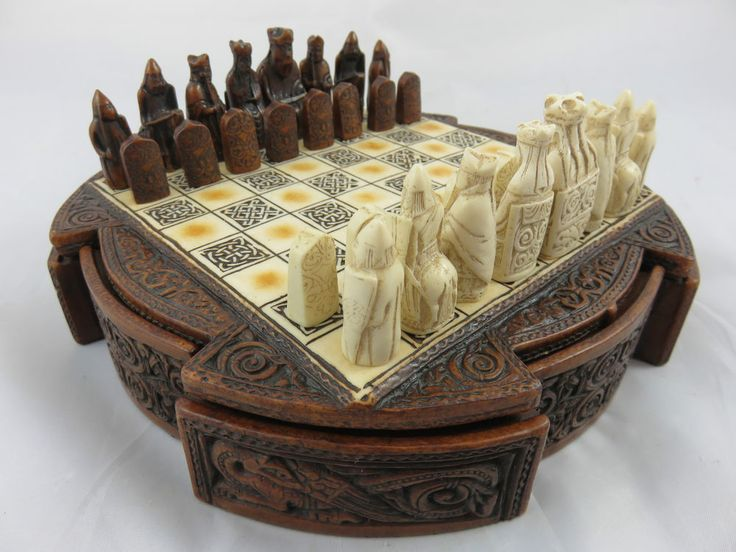 Isle of Lewis Ches Box Brown History Craft Enesco Style Schach Spiel Desing