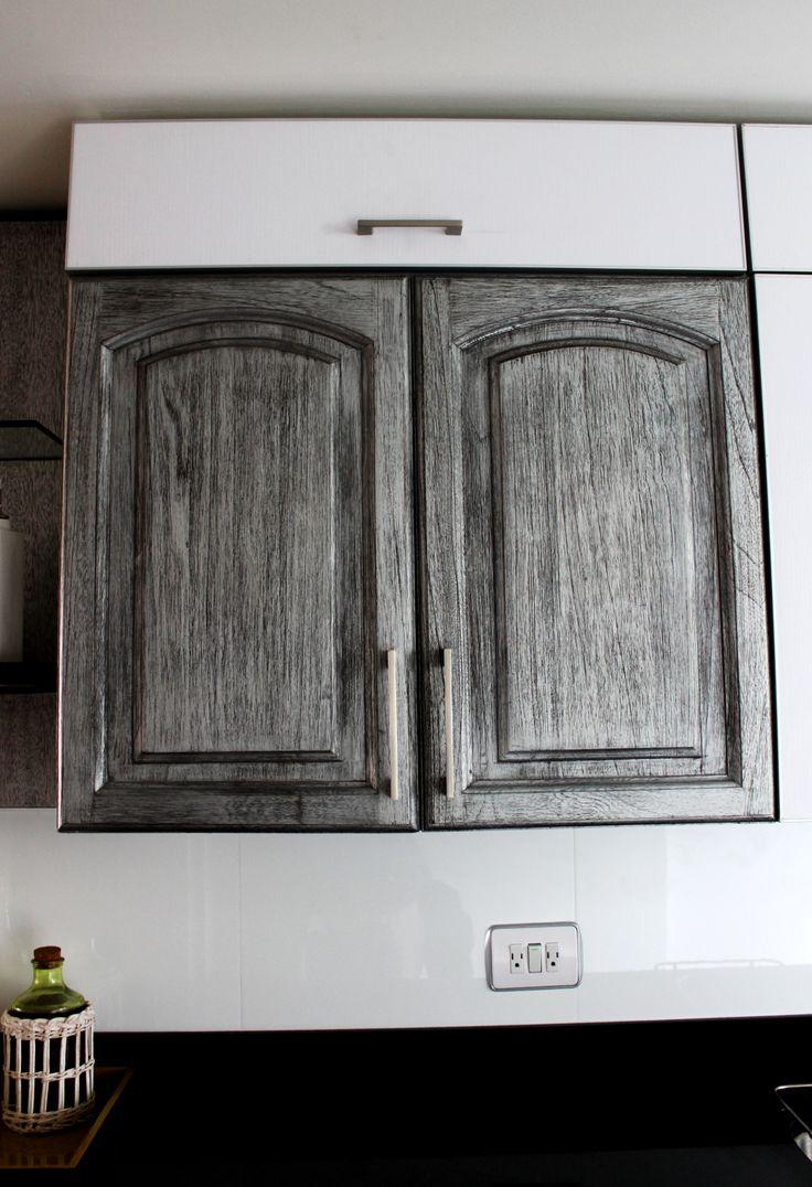 Cocina Patricia Salinas. Producción: TOTAL. Diseño: TOTAL. Descripción:  Mueble superior con Ala proyectante.