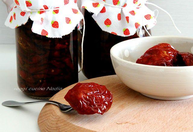 Oggi cucina Nadia: Pomodori secchi essiccati al sole - conserva