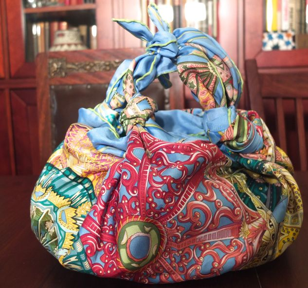 how to instructions tie hermes scarf into bag the finished purse