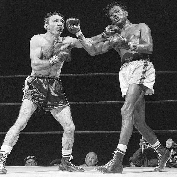 #OnThisDay: Sugar Ray Robinson proved he was a fighting phenomenon LINK IN BIO http://www.boxingnewsonline.net/on-this-day-sugar-ray-robinson-proved-he-was-a-fighting-phenomenon/ #boxing...