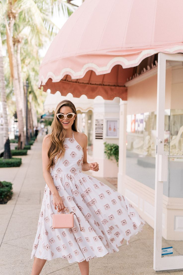 Pink In Palm Beach - Gal Meets Glam