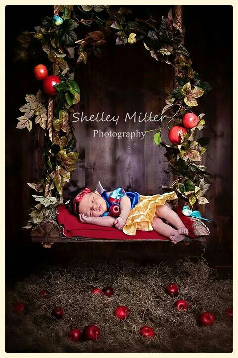 Disney inspired newborn Snow White photography session